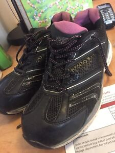 Dakota caa aproved ladies size 8.5