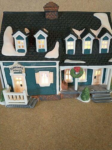 DEPT 56 New England Village Series, BERKSHIRE HOUSE #5942-0  SEE DESCRIPTION