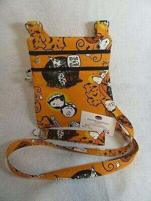 Charlie Brown Halloween Theme (Charlie Brown Halloween theme fabric Crossbody bag w/adj)