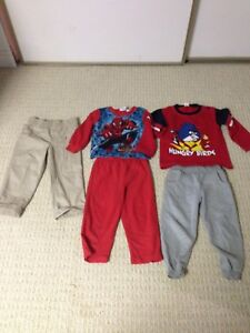 ***3 pictures *** boys size 2