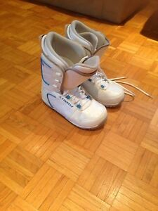 Womens Snowboarding Boots Size 10