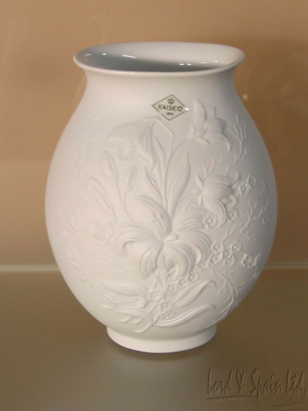 "Kaiser White Bisque Embossed Lilies Flowers 8 1/4"" Vase-Frey"