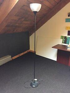 Floor lamp looking for work