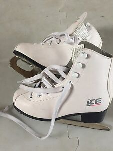 Girls Ice Skates Sz 1