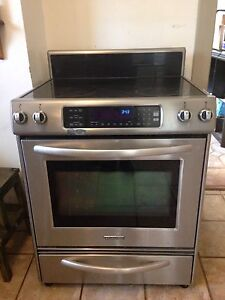 Kitchen aid  Stove.   ( oven not working )