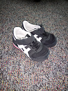 toddler asics sneakers Googong Queanbeyan Area Preview