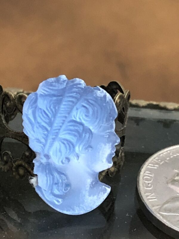Vintage Frosted Crystal Glass Cameo Ring -1950