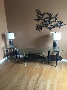 Coffee and End Tables with Lamps