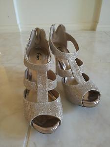 10cm Golden High Heels Size 6.5 Melbourne CBD Melbourne City Preview