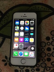 Iphone 5s - 16 Gb unlocked mint condition