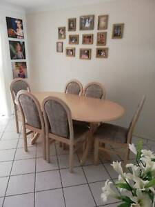 Dining room setting - FREE