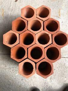 Cylindre en terre cuite cave à vin. 14 unités pour bouteilles