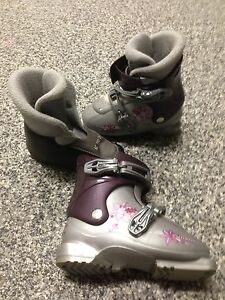Salomon kids ski boots
