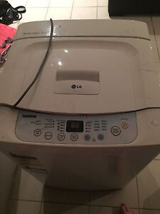 LG Fuzzy logic 5kg washing machine Brookvale Manly Area Preview