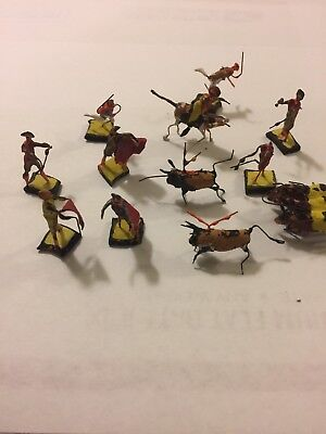 Vintage 1940's Wire And Clay 12 Miniature Madador And Bull Figures