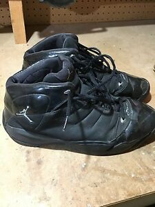 Size 12 Men's Jordan's Basketball Shoes