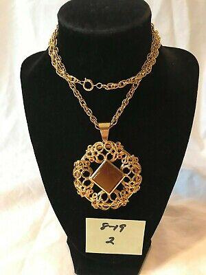 Costume Super Center (Super Charming Unmarked Vintage Gold Tone Large Faux Center Stone Necklace)