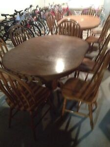 Oak kitchen table and 6 chairs