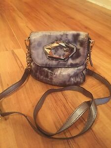 Small authentic guess purse brand new