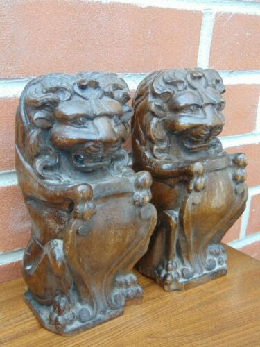 PAIR ANTIQUE 19thC FRENCH CARVED OAK ARMORIAL LION RAMPANT NEWEL POST FINIALS