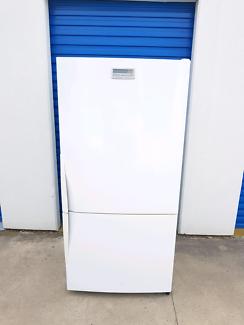 Large Westinghouse Fridge Freezer ( 510 litres )