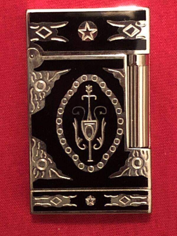 S.T. DUPONT LIGHTER - EXOTIC DESIGN - LACUE DE CHINE - ORIGINAL BOX AND CASE