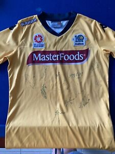 Central Coast Mariners autographed signed jersey size 12