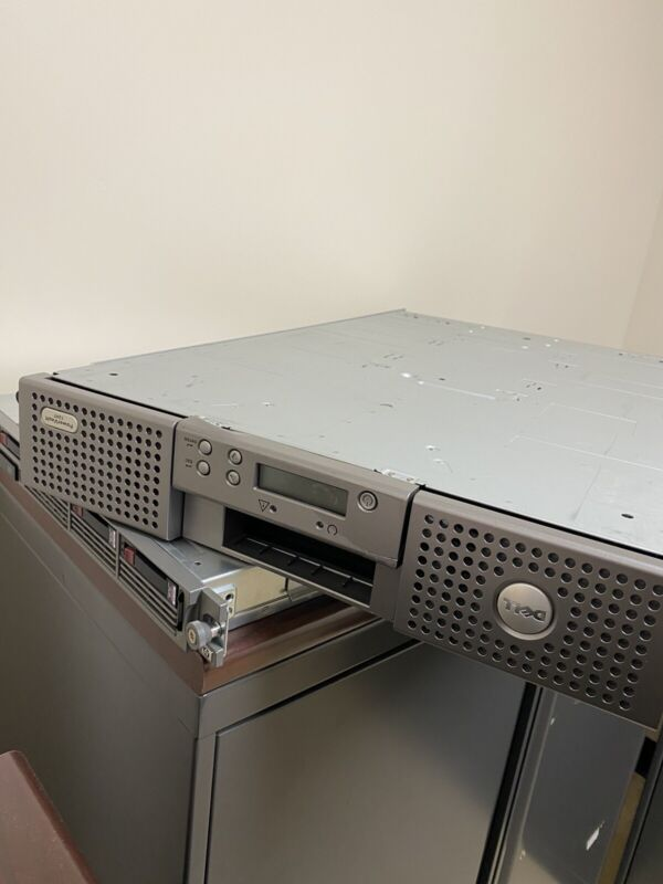 Dell PowerVault 124T Autoloader Mountable Tape Drive Library