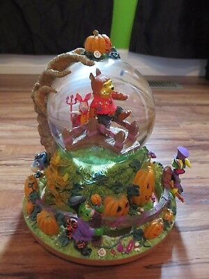 Disney Winnie Pooh Halloween Pumpkin Parade Musical Snowglobe RETIRED - Winnie The Pooh Halloween Pumpkin