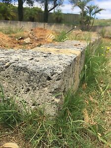 Free limestone blocks for retaining wall / garden bed Orelia Kwinana Area Preview