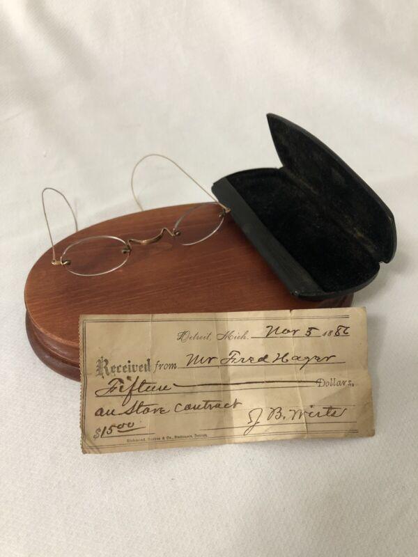 Antique Eyeglasses Spectacles 1886 Wire Rim Vintage Hard Case COA Delicate