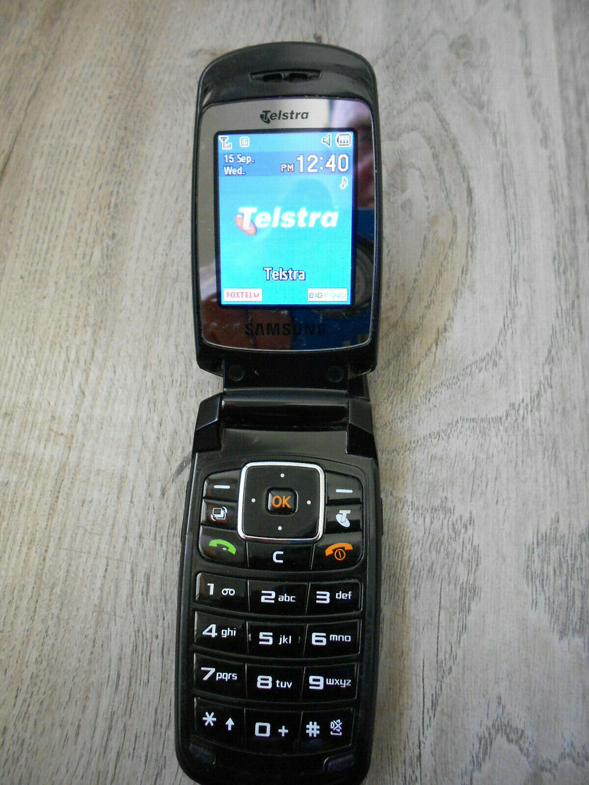 Android Phone - Samsung  Flip Phone Mobile SGH-A411