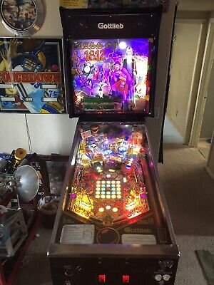 Gottlieb Class Of 1812 Pinball Machine