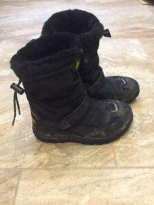 Girls Teva Winter Boots size 4