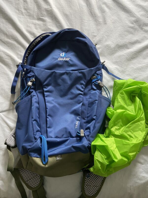 Deuter Trail 26 Backpack Blue Hiking Daypack With Raincover