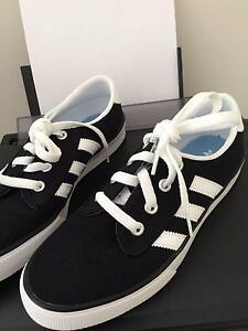 Brand new never wore Adidas Originals KIEL Men's Shoes Black US7 Cheltenham Hornsby Area Preview