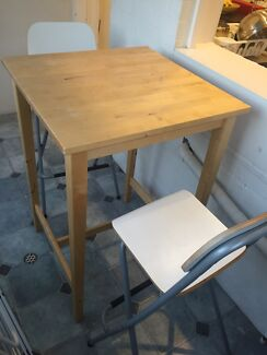 High 2 seater table and stools Clovelly Eastern Suburbs Preview