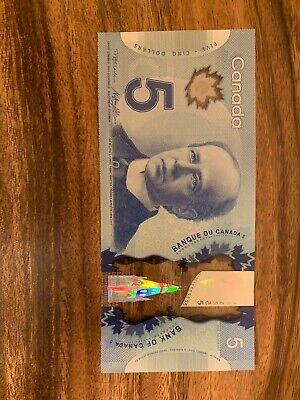 CANADA 5 Dollar Bills X 2 Total Of 10 Dollars. Canadian Banknotes. Circulated