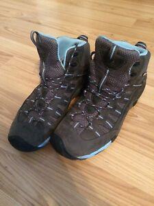 Women's Keen Hiking Boots size 10