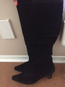 Ladies Size 12 High Heel Suede Boots