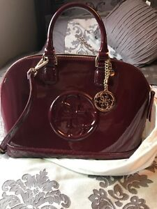 GORGEOUS GUESS BAG LIKE NEW