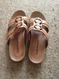 Ladies Hush Puppies summer shoes-near new