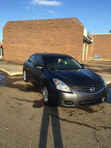 2010 Nissan Altima 2.5s  priced to sell