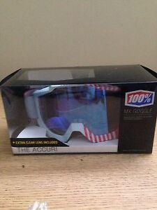 Brand new 100% Accuri goggles