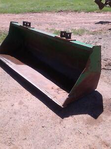 """John Deere 86""""Material bucket"""