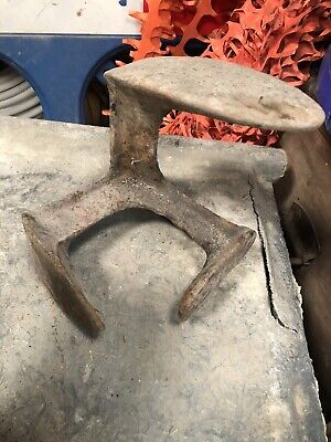 Antique Rare Three-Footed Cast Iron Cobblers Anvil 3 kg