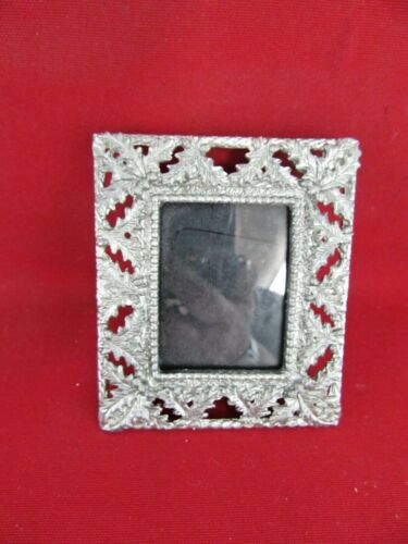 313. Small Heavy Silver Color Pewter? Picture Frame with Leaves Around Frame USA