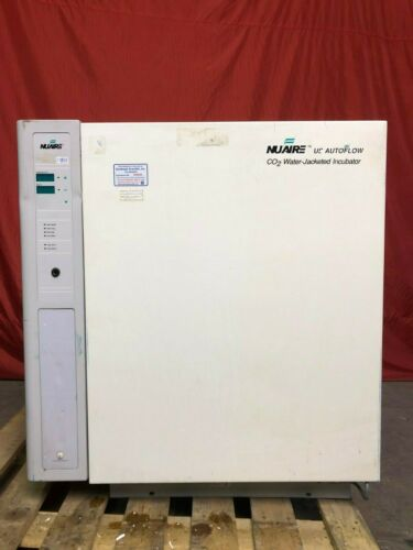 NUAIRE CO2 Water-Jacketed Incubator