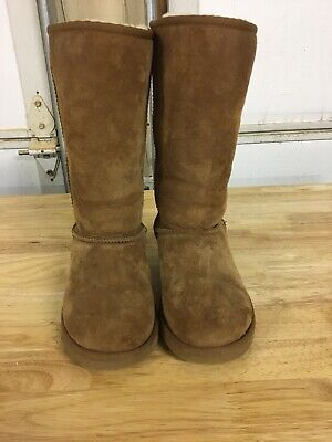 UGG Australia Classic Tall Children's Winter Boots - Size 4 Chestnut