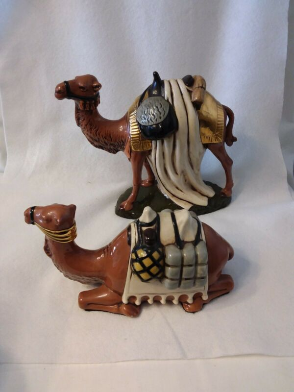 SET OF 2 VGT NAVITITY CAMELS FIGURINES STANDING & RECLINING *ELEGANT & BEAUTIFUL